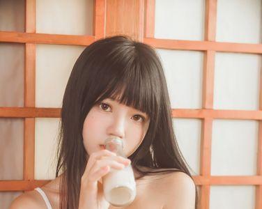 萝莉风COS 桜桃喵 – 小背心2[84P]