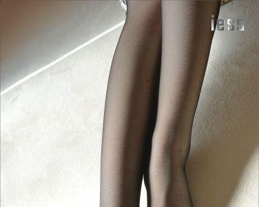 [异思趣向] 温暖的黑丝吊带袜[99P]