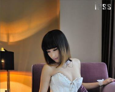 [异思趣向] 优优 白丝职场丝狱女模特[50P]
