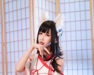 微博妹子三度_69 - 狐巫女[33P]