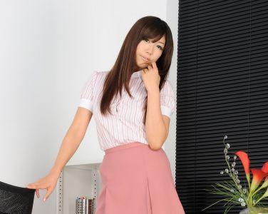 [RQ-STAR美女] NO.0403 Kanon Hokawa 穂川果音 Office Lady[104P]