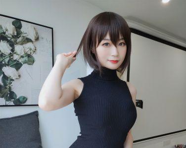 Coser小姐姐白银 – 黑色包臀裙[35P]