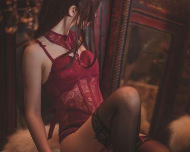 [Cosplay]面饼仙儿 – 脑内少女 红色束衣[22P]