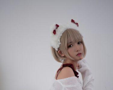 [Cosplay]鳗鱼霏儿 - 兽耳 圣诞白网袜[18P]