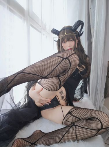 Coser小姐姐白银 - 黑山魅魔[50P]