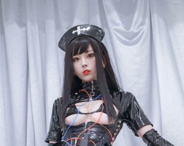 [Cosplay]动漫博主清颜真德秀 - 黑暗护士[33P]
