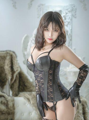 抱走莫子aa - 黑色皮衣[40P]