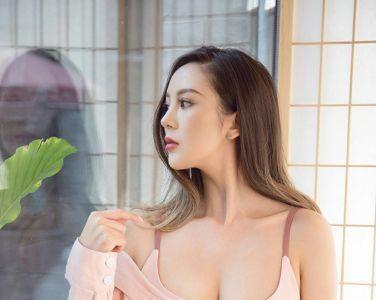 [Ugirls尤果网]爱尤物 2020.01.03 No.1689 龙儿 潇洒小姐[34P]