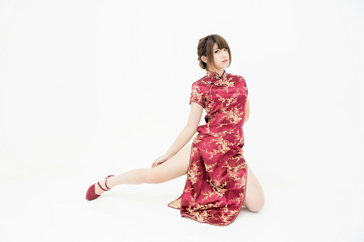 中華娘娘之红色旗袍与美腿高跟[27P] 其他套图 第1张