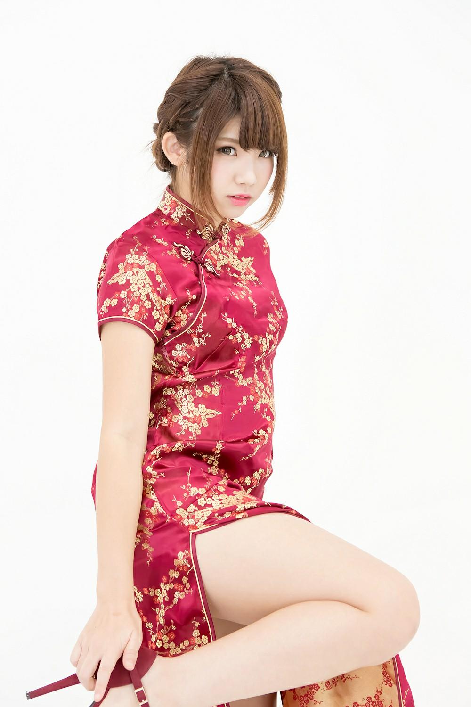 中華娘娘之红色旗袍与美腿高跟[27P] 其他套图 第4张