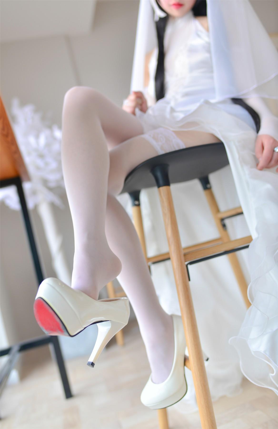 Cos小姐姐雪琪 爱宕高跟美腿与婚纱[38P] 角色扮演 第2张