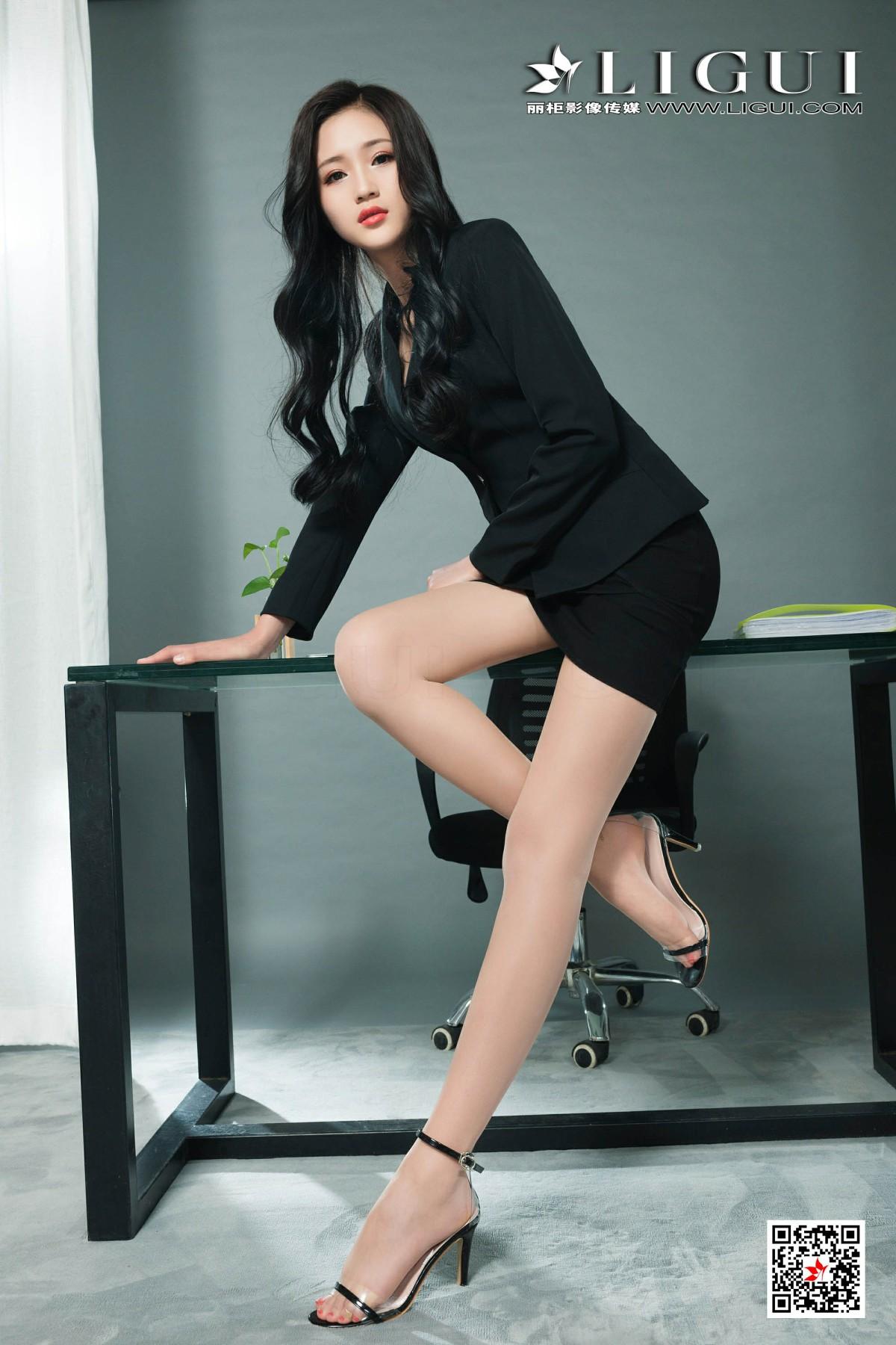 [Ligui丽柜]2019.08.26 网络丽人 Model 玲玲《职场新秀》[53P] 网络丽人 第1张