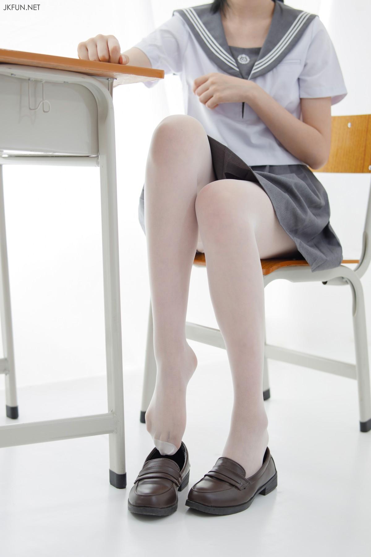 [森萝财团]JKFUN 018 15D超薄白丝 小青[108P] 森萝财团 第4张