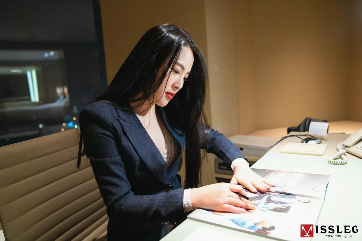 [MISSLEG蜜丝]蜜丝钻石室内N系列 N017 晨雨&琪琪 《压制》[41P] 蜜丝 第3张