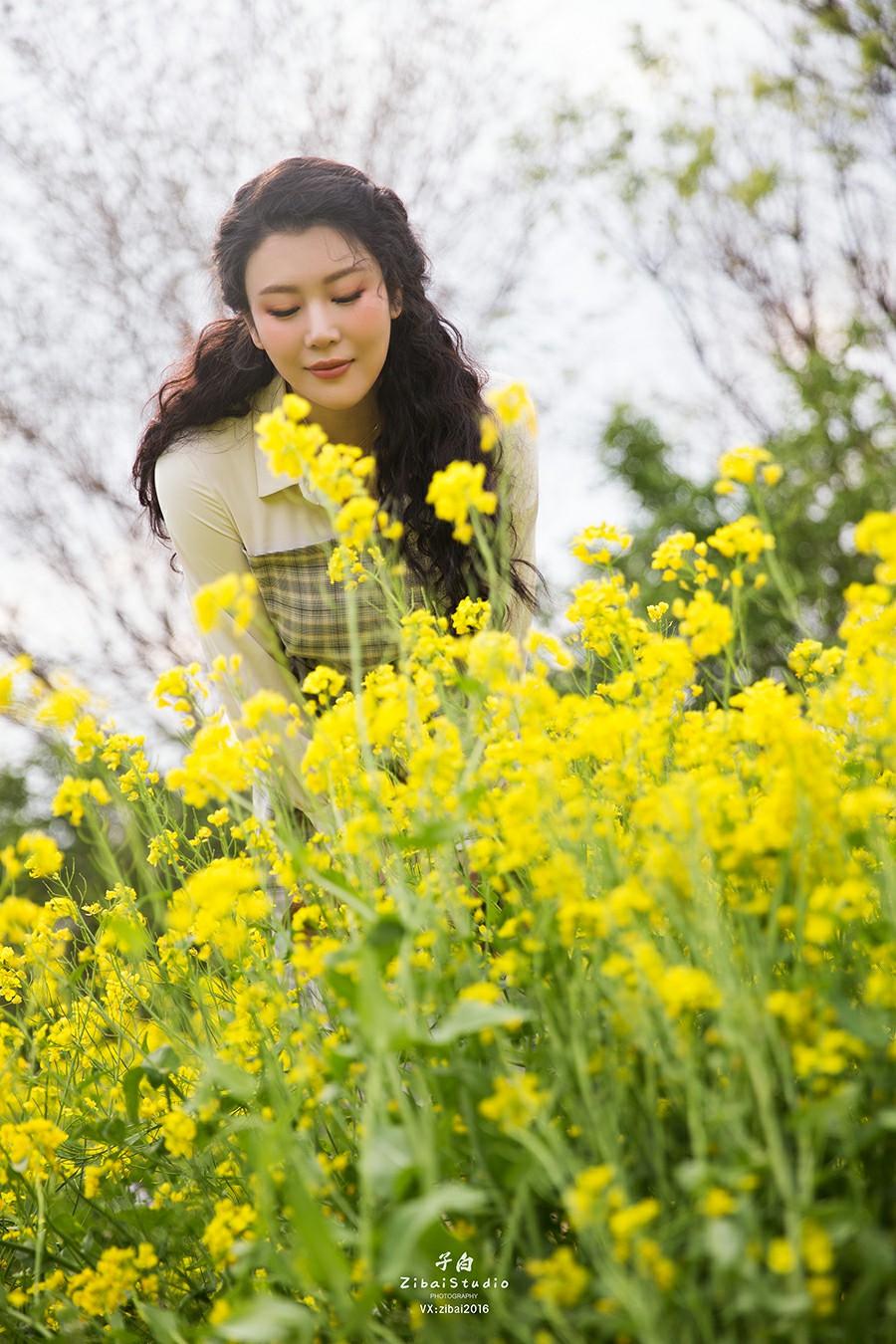 [TouTiao头条女神]2020.04.20 钟晴 油菜花的晴天[9P] 头条女神 第2张