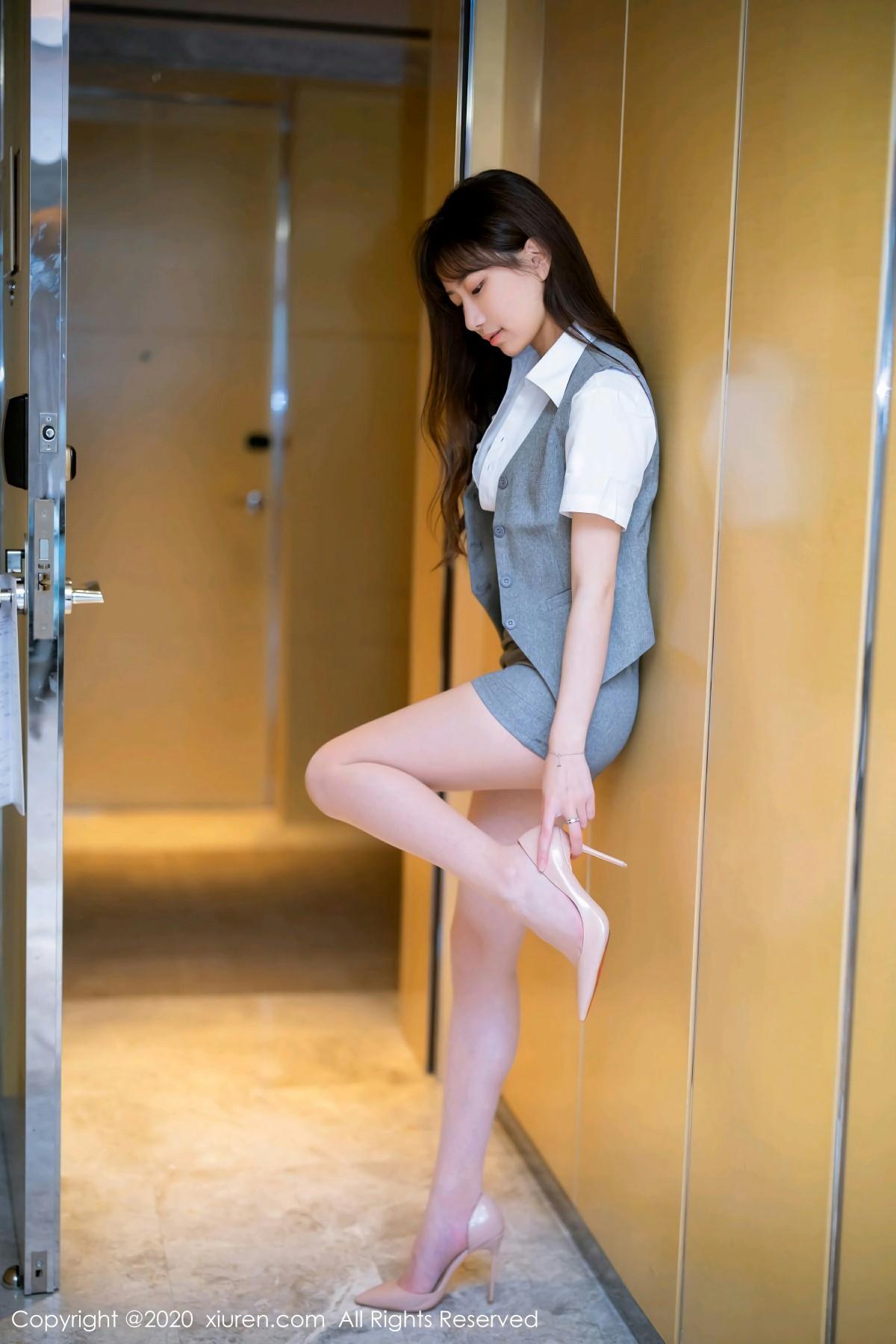 [XiuRen秀人网]2020.05.14 No.2244 bunny七七 第2张