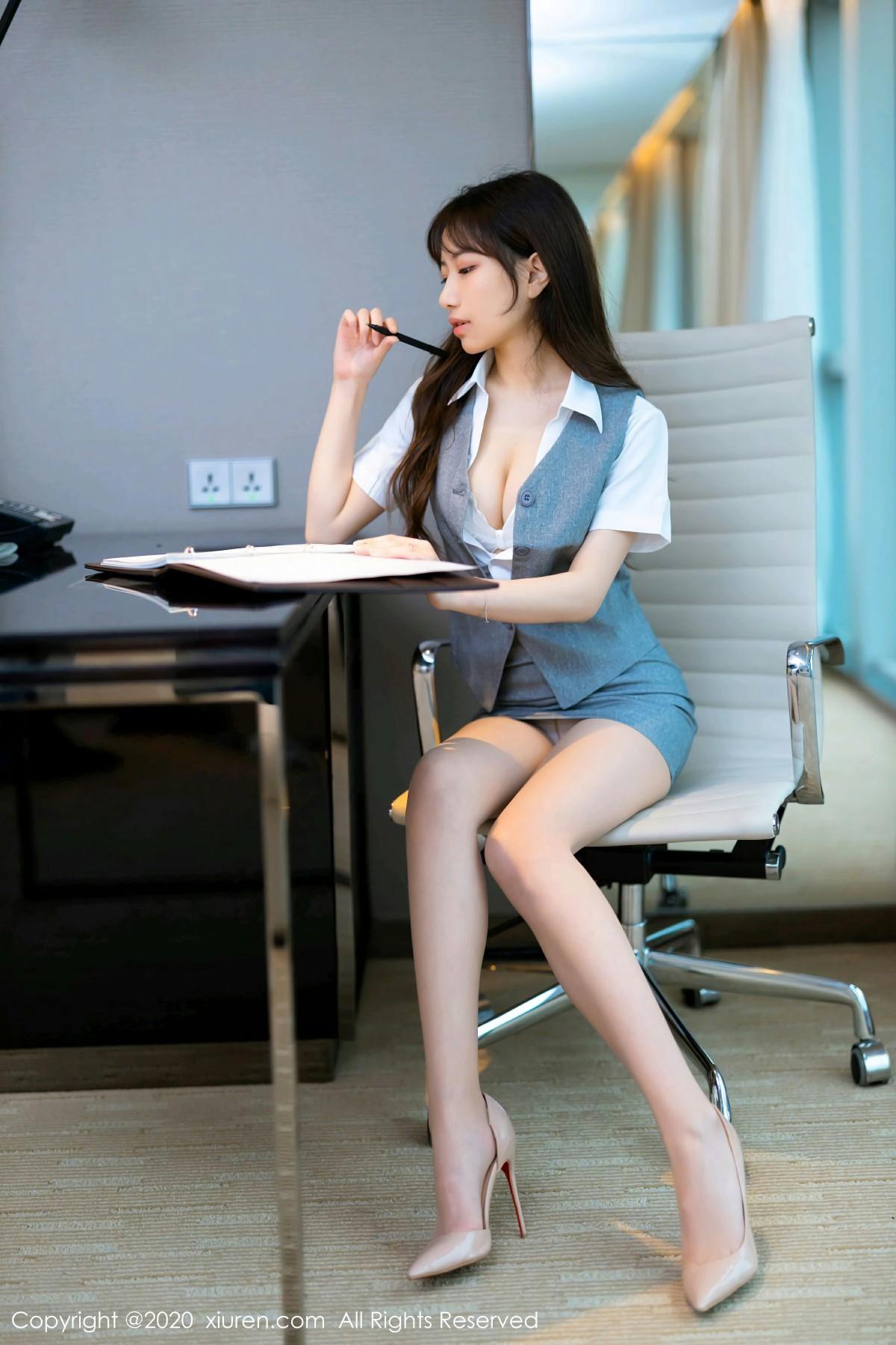 [XiuRen秀人网]2020.05.14 No.2244 bunny七七 第4张