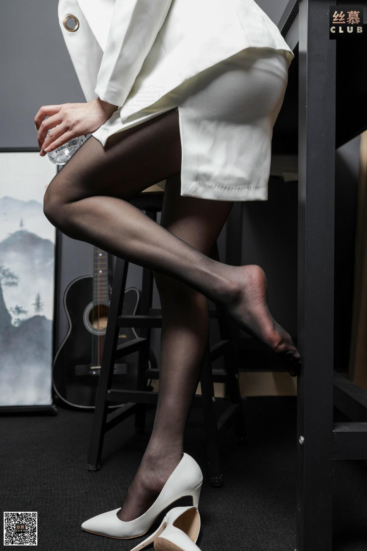 丝慕写真 花姐 - 白领的品酒体验 第2张