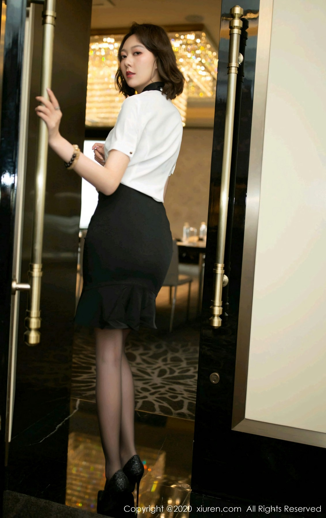[XiuRen秀人网] 2020.08.10 No.2422 艺轩 第2张