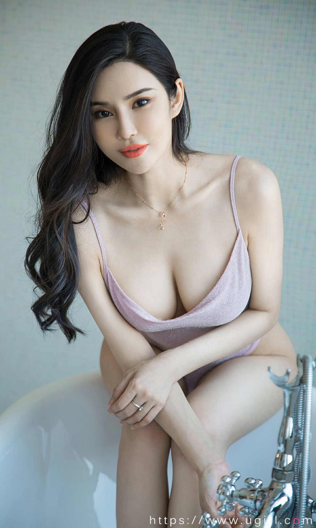 [Ugirls尤果网]爱尤物专辑 2020.09.21 No.1915 林渃晗 浴缸情调 第2张