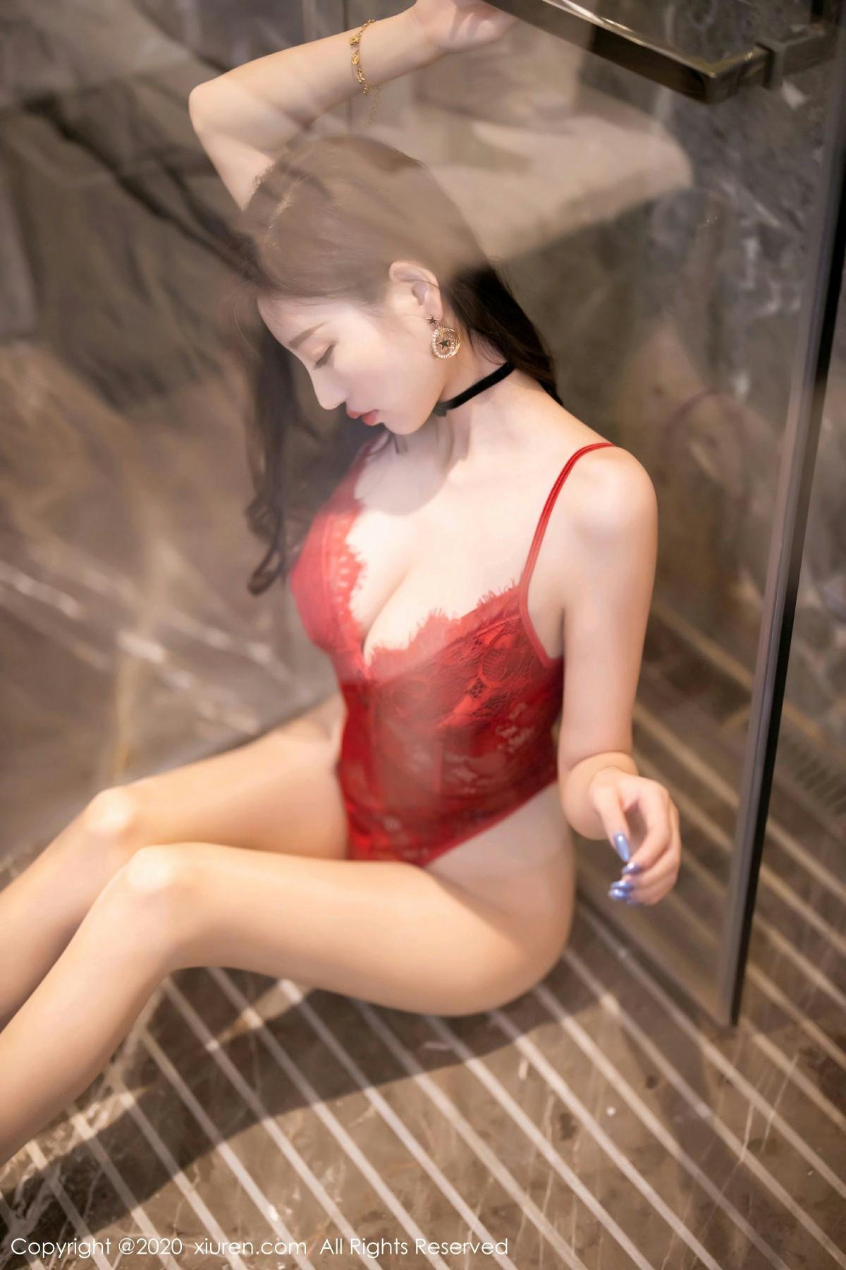 [XiuRen秀人网] 2020.10.19 No.2671 杨晨晨sugar 第2张