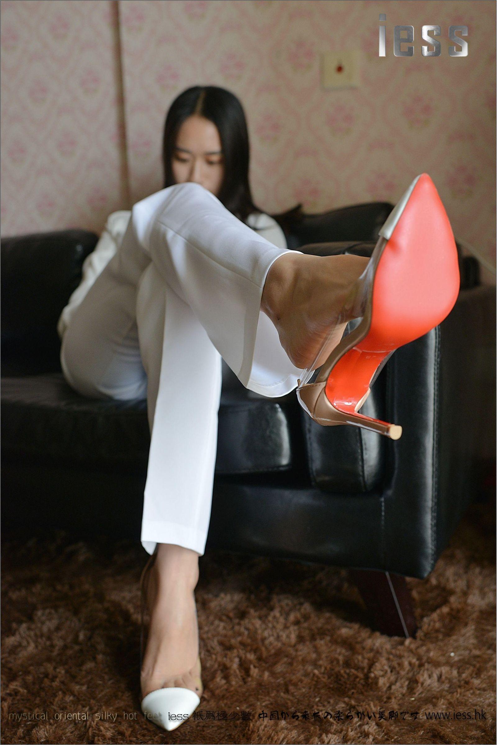 [异思趣向] 悬念 【典藏】裸足高跟鞋[99P] 异思趣向 第1张