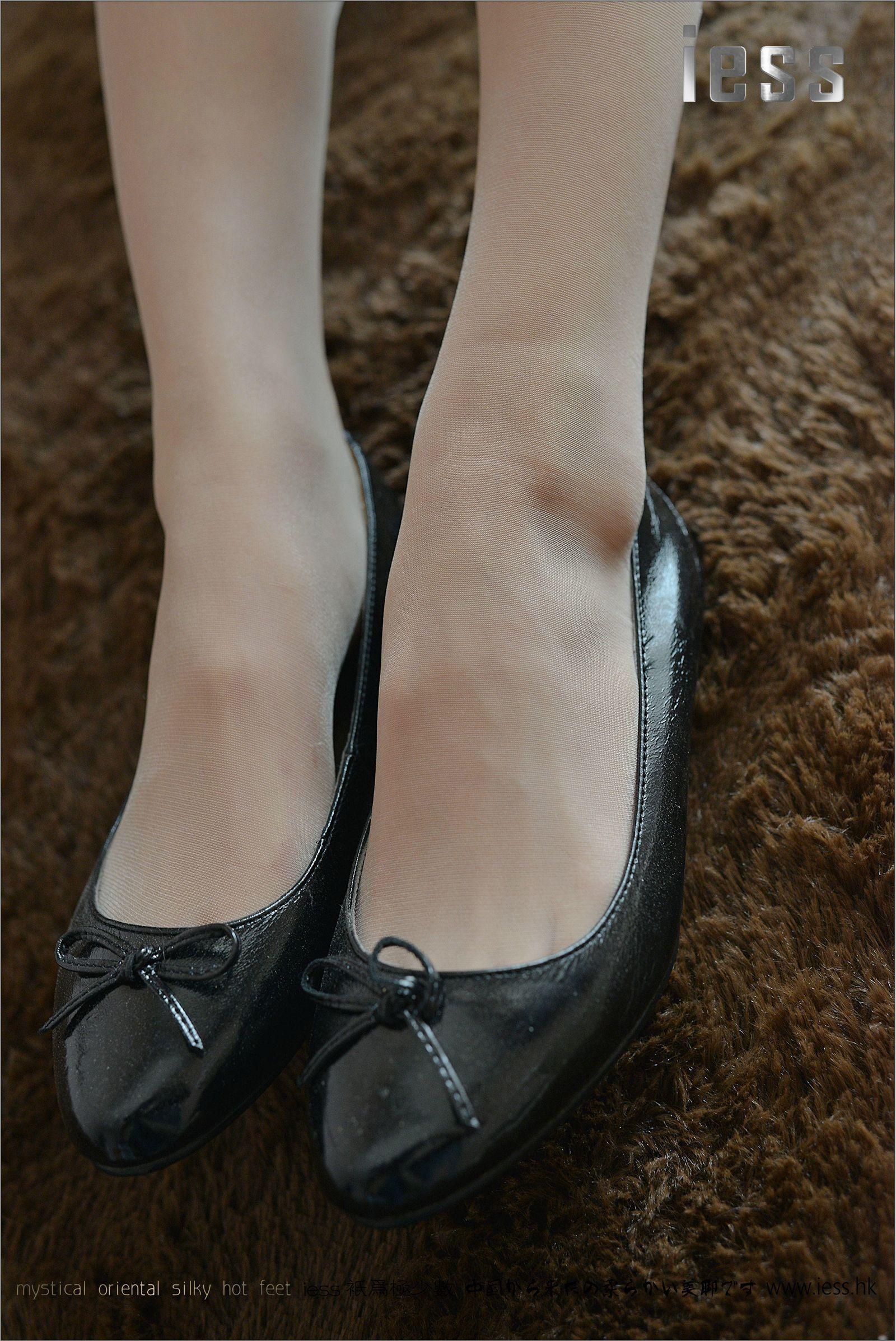 [异思趣向] 潇潇 女神演绎ES6和平底鞋[99P] 异思趣向 第1张