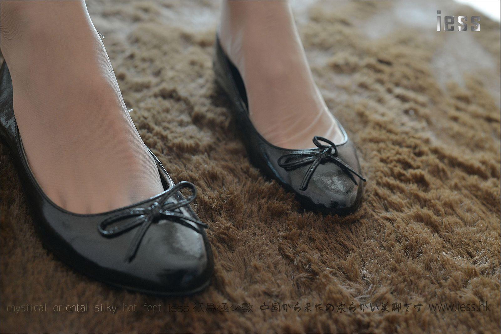 [异思趣向] 潇潇 女神演绎ES6和平底鞋[99P] 异思趣向 第2张