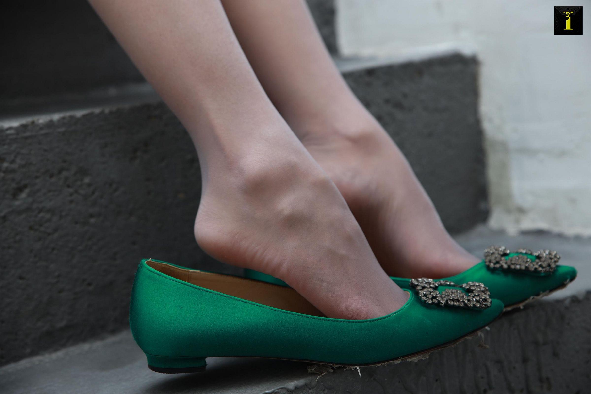 [IESS异思趣向] 2019.12.08 丝享家639:婉萍的绿色平底鞋[90P] 异思趣向 第2张