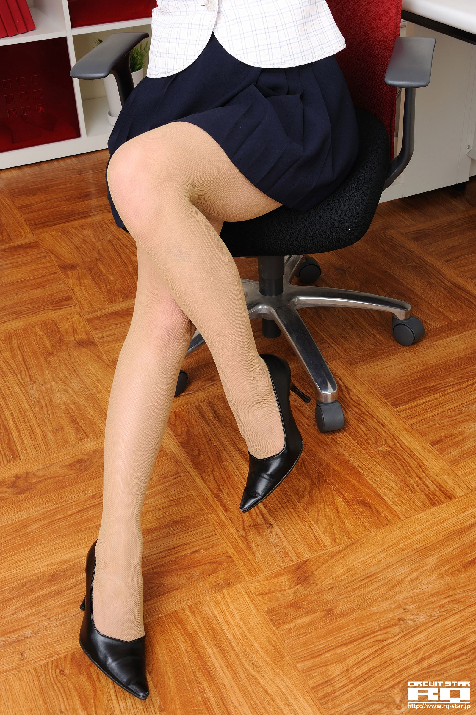 [RQ STAR美女] NO.00469 Megumi Haruna 春菜めぐみ Office Lady[96P] RQ STAR 第4张