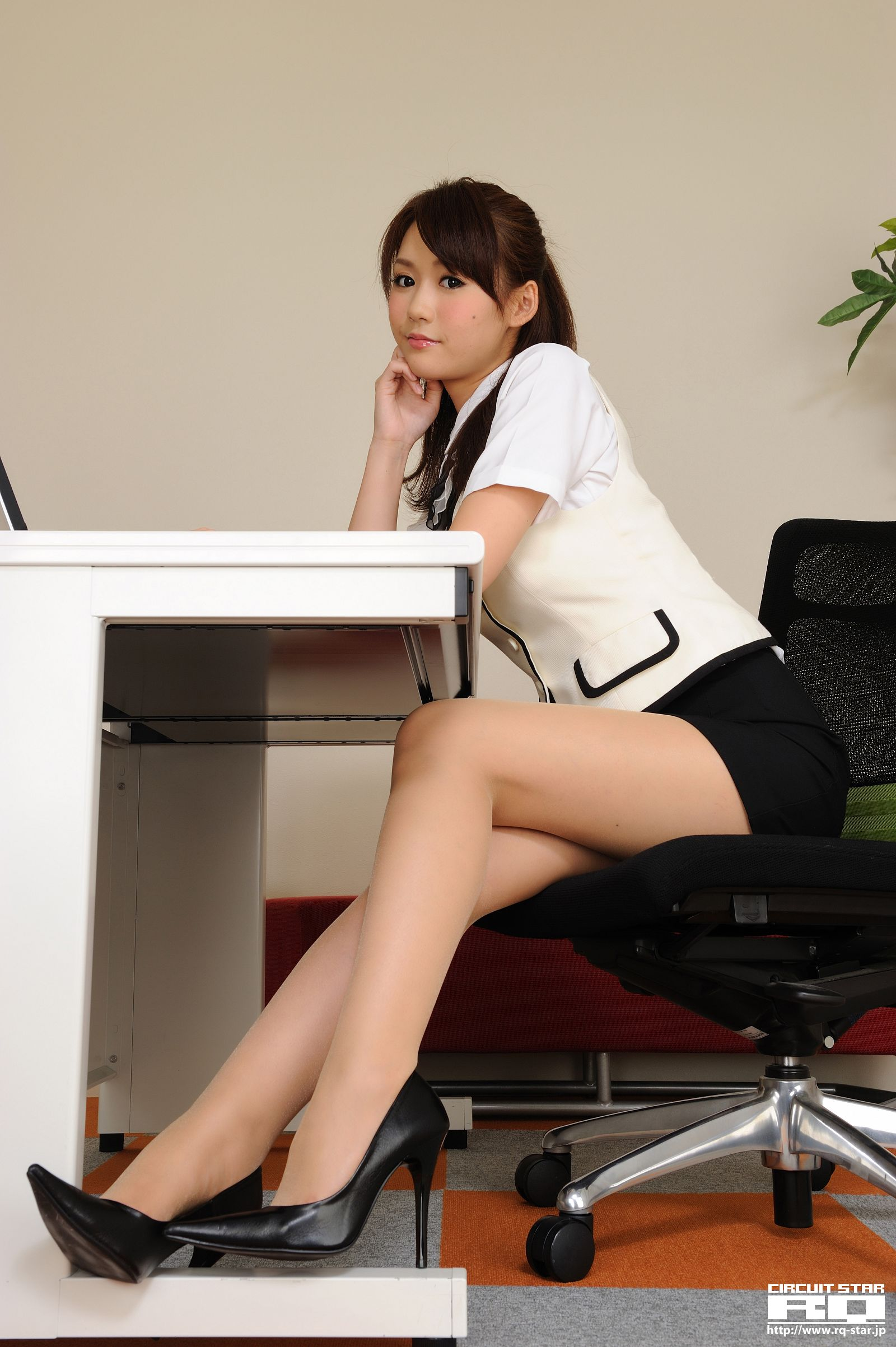[RQ STAR美女] NO.00536 Yumi 優実 – Office Lady[90P] RQ STAR 第2张